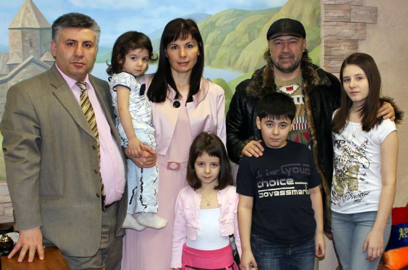 Тата симонян о своей семье